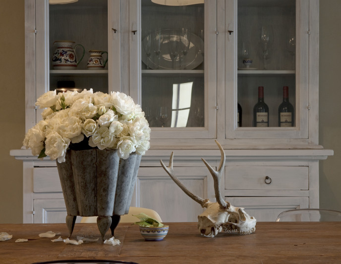 La Segreta Farmhouse Dining Room Detail 2012_Eric_van_den_Brulle_4_x6_